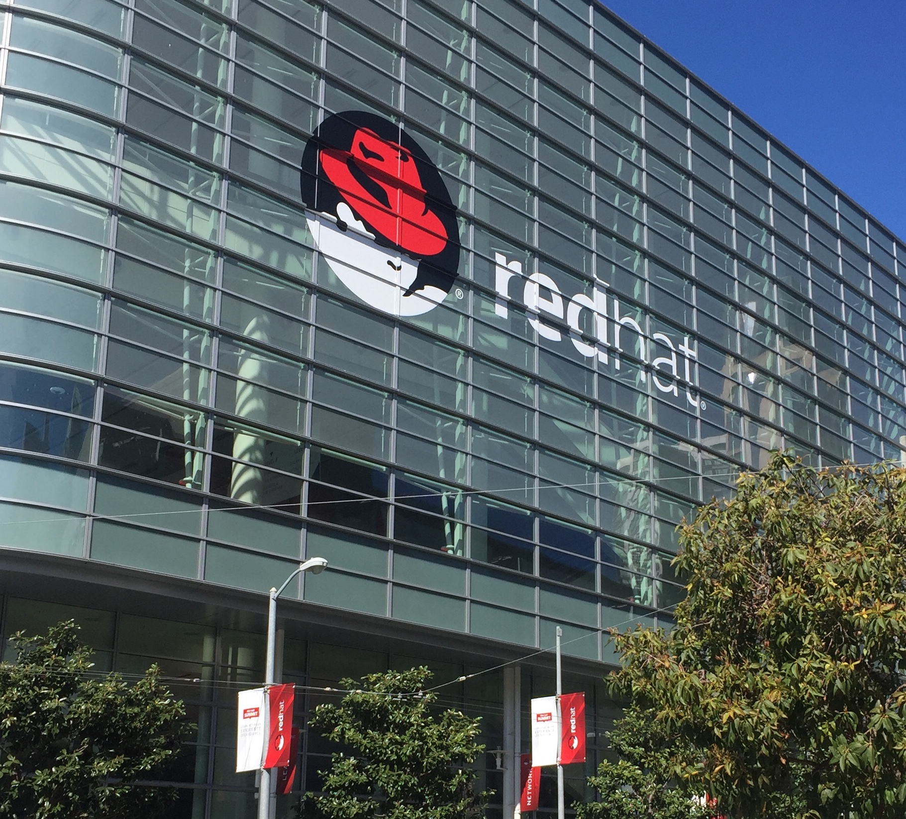 Red Hat Summit: Containers, Microservices, and Serverless Computing